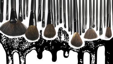 ¿Sabes lo qué ocurre si no lavas tus brochas de maquillaje?