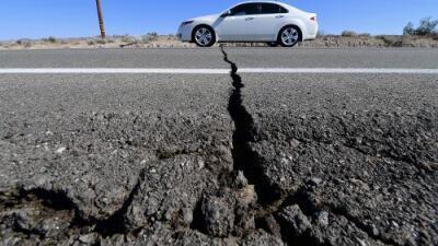 Fuertes réplicas sacuden el sur de California tras el sismo más violento en décadas en la región