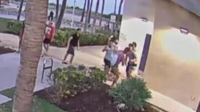 'Miami en un Minuto': Las imágenes del brutal ataque que sufrieron dos personas en un supuesto caso de homofobia