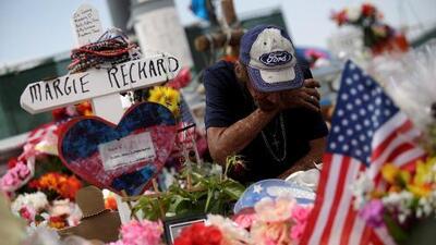 """""""La siento en mi corazón"""": esposo de víctima de El Paso se prepara para darle el último adiós"""