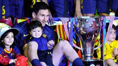 Messi hace doblete, nació su segundo hijo, Mateo