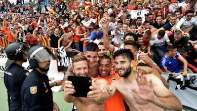 Almería 2 - Valencia 3: Los 'Ches' a Champions y el Alemería a segunda