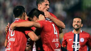 Cerro Porteño gana y hunde al Cobresal en Copa Libertadores