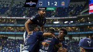 ¡Viven! Chivas  sueña con Liguilla gracias a magistral gol de Vega