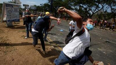 Nicaragua: gobierno dice que busca el diálogo mientras envía al Ejército a controlar uno de los centro de las protestas que dejan 10 muertos