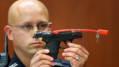 ¿$65 millones por la pistola con la que George Zimmerman mató a Trayvon Martin?