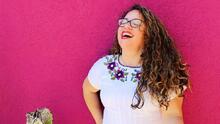 """""""Diseño lo que me apetece"""": esta latina alcanzó el éxito creando arte donde los hispanos se ven reflejados"""