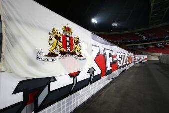 Los colores de la fiesta en la casa de Ajax contra Real Madrid en la Champions