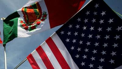 Representante del Consulado de México en Chicago explica cómo obtener la doble ciudadanía