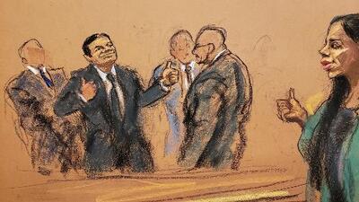Alzando el dedo pulgar: así reaccionaron 'El Chapo' y Emma Coronel tras conocer el veredicto
