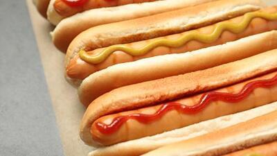 Retiran de Walmart y otras tiendas panes de hambuguesas y perros calientes por temor a presencia de plástico