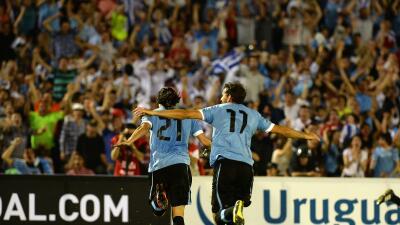 Uruguay gana con jerarquía un disputado partido a Panamá