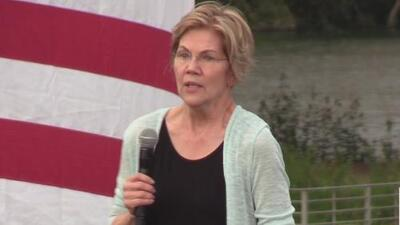 Elizabeth Warren se reúne con sus simpatizantes en el centro de Austin