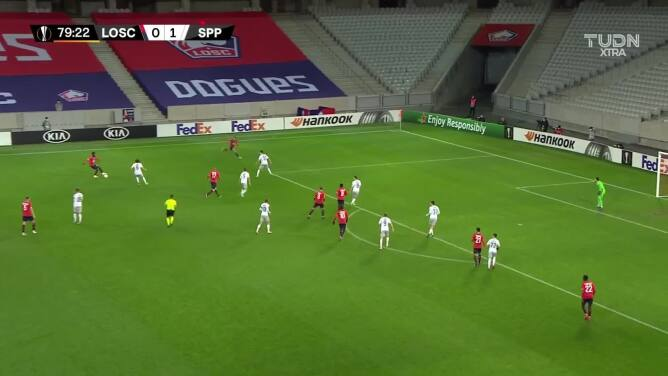 ¡GOOOL! Burak Yilmaz anota para Lille.