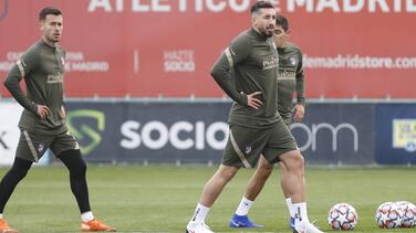 Recupera Atlético de Madrid a Héctor Herrera antes de enfrentar al Bayern Múnich