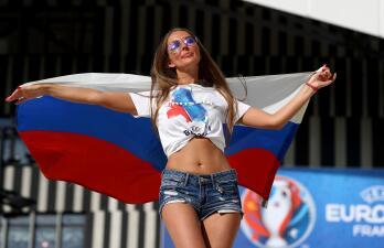 ¡Sensuales y apasionadas! Las fanáticas rusas que engalanarán el Mundial 2018