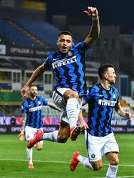 Alexis Sánchez (54', 62') marcó doblete para adelantar a los de Conte. A los 71' descontó Hernani Azevedo. Inter llegó a 59 unidades en la cima de la Serie A, mientras que Parma se quedó con 15 al fondo de la tabla.