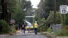 """Alivio en Luisiana tras el """"benevolente"""" paso del huracán Nate"""