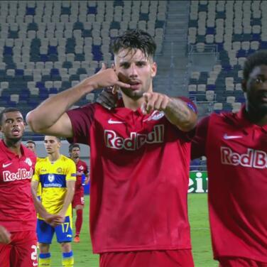 Dominik Szoboszlai logra la igualada 1-1 y el Salzburg respira