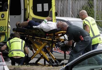 """""""Había cuerpos por todos lados"""": las imágenes del atentado terrorista que dejó al menos 49 muertos en Nueva Zelanda"""