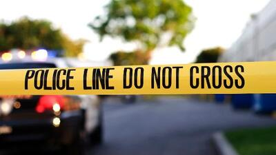 """Acusan a un padre de """"golpear hasta la muerte"""" a su hijo de 4 años en Los Ángeles"""