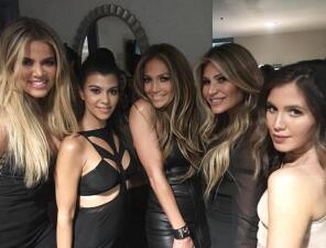 ¿JLo es la nueva integrante de las Kardashian?