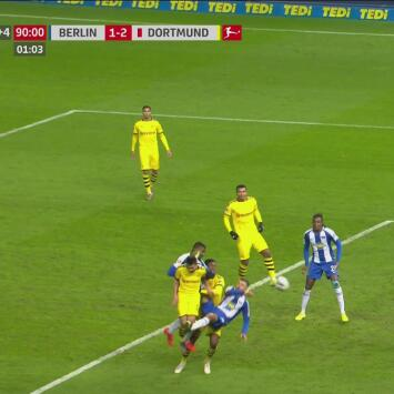 ¡Se perdió la oportunidad de empatar! Kalou perdonó al Dortmund