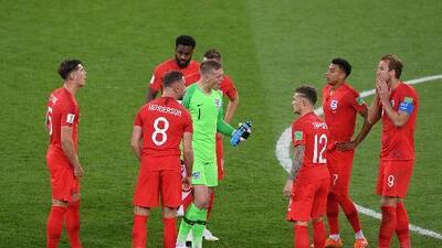 Gracias a una botella de agua el portero de Inglaterra adivinó los penaltis de Colombia
