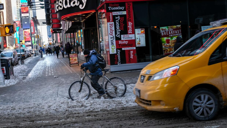 dbf31b8eb2 Que la nieve no te detenga: 5 consejos para usar tu bici en invierno |  Noticias Univision | Univision