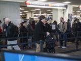 Un pasajero voló de Atlanta a Tokio con un arma abordo al fallar un control de seguridad