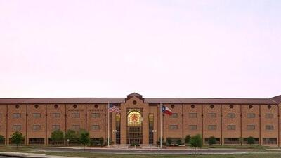 Robert E. Lee High School gets a new name