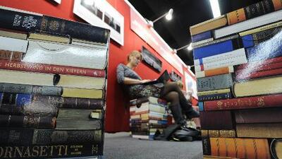 Las mujeres dejarán de ser el 'sexo débil' en el diccionario de la Real Academia Española, aunque no del todo
