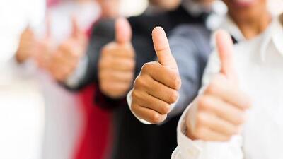 ¿Sabías que el dedo pulgar atrae el dinero? La clave del éxito está, literalmente, en nuestras manos
