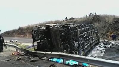 Una falla de frenos, esa sería la causa del accidente de autobús que dejó al menos 20 muertos en México