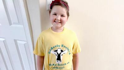 En fotos: Ella es Riley Jadick, la pequeña que venció el cáncer y esta semana volvió a su escuela