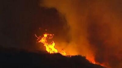 'Los Ángeles en un Minuto': incendio forestal en San Clemente está controlado en un 70%, según autoridades