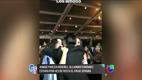 Mira cómo Alejandro Fernández celebró la graduación de sus gemelas