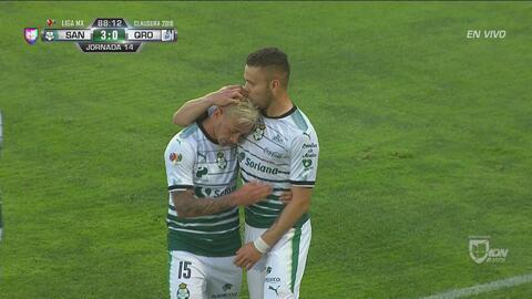 Santos liquida a los Gallos 3-0 con un contragolpe letal
