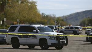 Reportan un muerto y 13 heridos tras una serie de tiroteos en Phoenix; sospechoso detenido