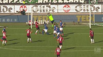¡Pero qué locura! Nübel hace una atajada espectacular para mantener a flote al Schalke