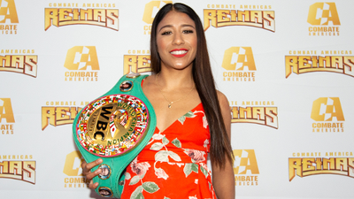Bicampeona mundial de boxeo, Kenia Enríquez, firma con Combate Américas