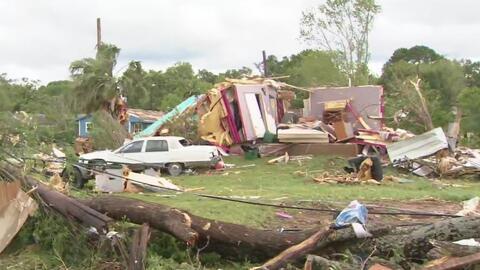 Más de 12 personas resultan heridas y varias viviendas sufren daños tras el paso de un supuesto tornado en Texas