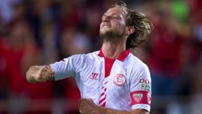Sevilla 2-1 Almería: Rakitic da agónico triunfo al Sevilla y deja al Almería colista
