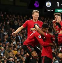 El United se lleva el derbi de Manchester y se acerca a zona de Champions