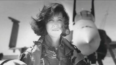 """""""Una verdadera heroína"""": la piloto del avión de Southwest que con """"nervios de acero"""" evitó una catástrofe mayor"""