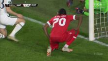 ¡Para lamentarse! Mbokani deja escapar el 2-0 ante Tottenham