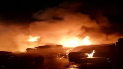 Incendio consume varios camiones en un estacionamiento de Miami-Dade