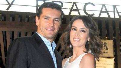 Jacqueline Bracamontes reaccionó a los rumores sobre su esposo