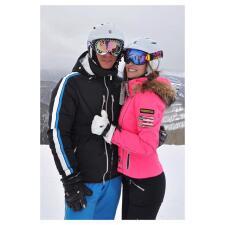 Las románticas vacaciones de Ximena Navarrete en la nieve