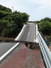 Daños a pistas y vehículos afectados tras el terromoto en México